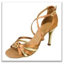 Sepatu Dansa 34