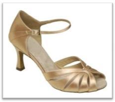 Sepatu Dansa 35