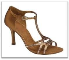 Sepatu Dansa 40