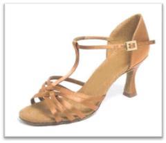 Sepatu Dansa 43