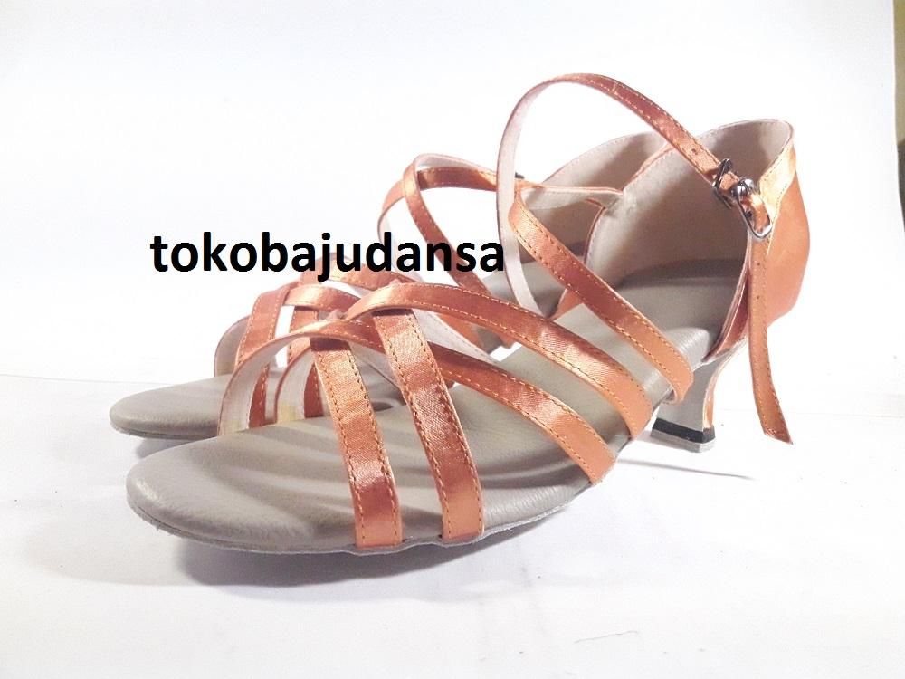 sepatu-dansa-latin-3